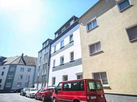 Bochum Mitte : Renovierte 3-Zimmer-Erdgeschosswohnung mit neuem Bad und Terrasse