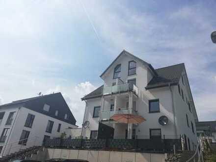 Neuwertige 3-Zimmer-Maisonette-Wohnung mit Terrasse in Lindlar