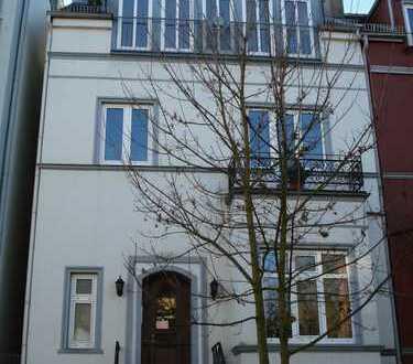 Schöne helle Wohnung im Altbremerhaus