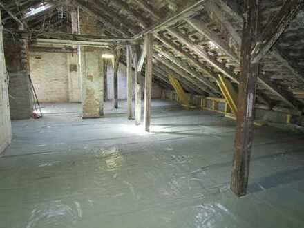 Traumwohnung nach eigenen Vorstelllungen !! Dachgeschoßwohnung mit Baugenehmigung zum Selbstausbau