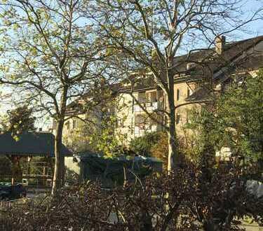 Lichtdurchflutete, 3,5-Zimmer-Wohnung mit Balkon und Einbauküche in Nürnberg Thon
