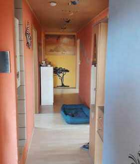 Modernisierte 4-Raum-DG-Wohnung mit Einbauküche in Schwandorf
