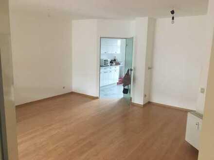 1.100 €, 100 m², 4 Zimmer