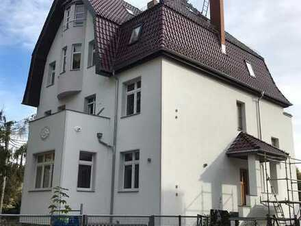 Erstbezug nach Sanierung: stilvolle 5-Zimmer-Hochparterre-Wohnung mit Terrasse in Berlin / Eichwalde