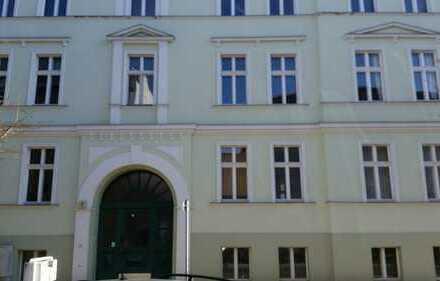 98 qm große sehr helle 3 Zimmerwohnung mit Balkon