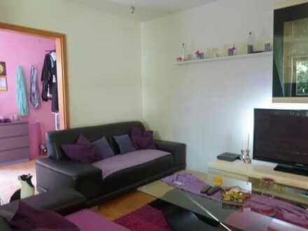 Single-ideal: helle 2-Zi.-Wohnung, etc., im 2. Stock einer gepflegten Wohnanlage! Mit Duplex-Parker!