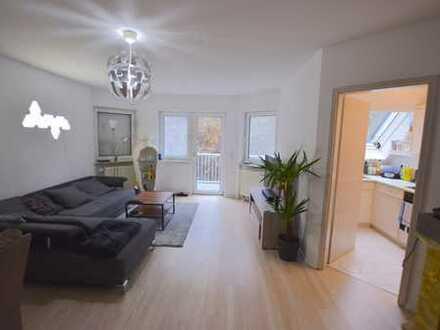 Helle, geräumige 1-Zimmer-Wohnung mit Balkon in Bad Soden