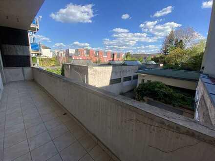3 Zimmer Wohnung mit Balkon in der Karlsruher Südstadt