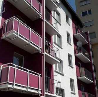 Sanierte Single Wohnung mit Balkon