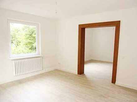 Sommerzeit = Gutscheinzeit (€ 300 Gutschein*) - große 4-Zi-Wohnung in Einswarden!