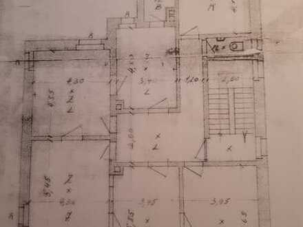 Vollständig renovierte 5-Raum-Wohnung mit Balkon und Einbauküche in Karlsruhe