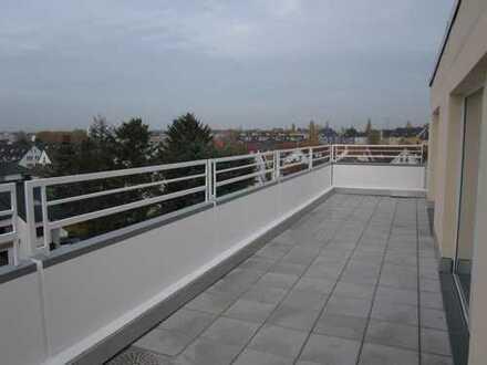 Schöne Penthouse-Wohnung in F-Griesheim, Nähe S-Bahn