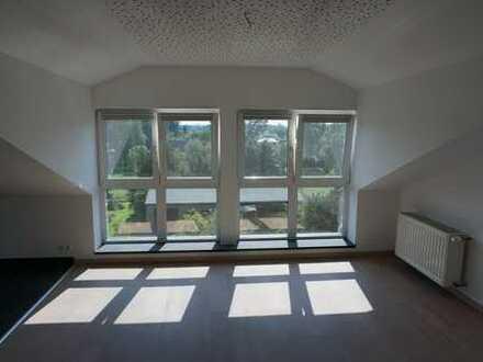 Schöne, geräumige Zwei-Zimmer-Wohnung in Chemnitz