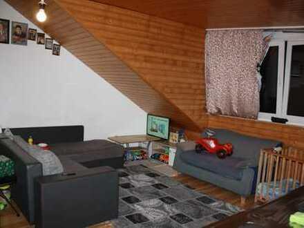 Provisionsfrei! Helle Dachgeschoss-Wohnung in zentraler, aber ruhiger Lage in Karlsruhe