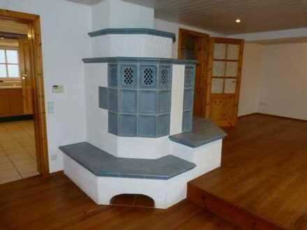 Toll aufgeteilte Doppelhaushälfte mit Kachelofen, Garten und Balkon in ruhiger Lage von Horrheim!