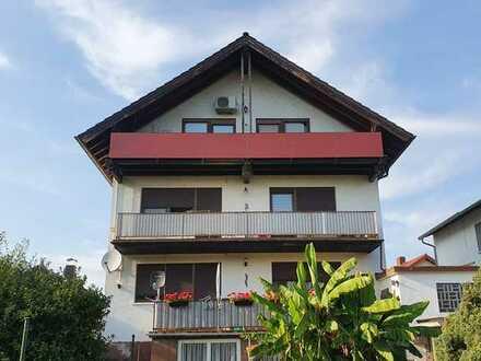 helle Wohnung in ruhiger Lage mit Blick ins Grüne, Tageslichtbad und Balkon/Terrasse in Biblis