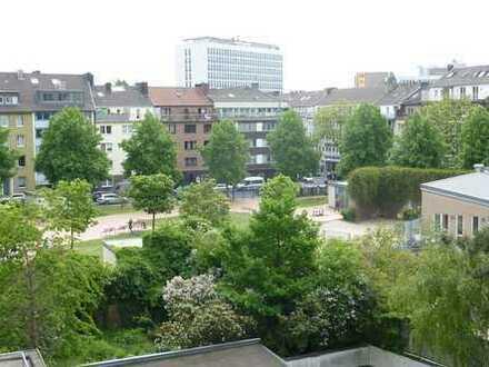 Grüner Ausblick und doch in der City - gehobene Ausstattung - Balkon (Süd)