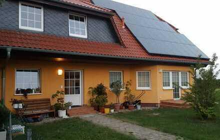 Attraktive 2,5-Zimmer-EG-Wohnung mit Terrasse und EBK in Sieversdorf