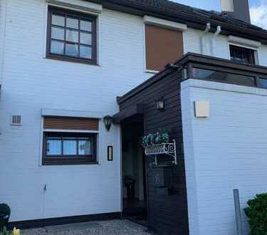 *Langenhorn* 1a-Reihenhaus, ca. 140 m², 5-6 Zimmer, Garage, Vollkeller