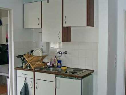 POCHERT IMMOBILIEN - Schönes großes 1,5-Zimmer-Apartment mit Balkon, Nähe Universität