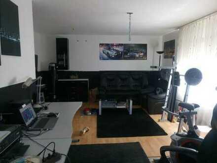 JUNGES WOHNEN LEICHT GEMACHT. 2- Zimmer-Wohnung in kleiner Wohneinheit mit Stellplatz.