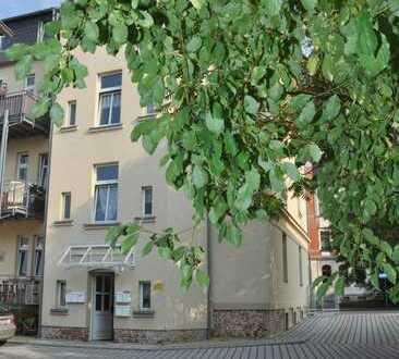 * freundliche 3 Zimmerwohnung mit Balkon - Hochparterre *