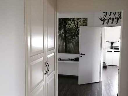 3-Raum Hausmeisterwohnung im Gewerbegebiet zu vermieten