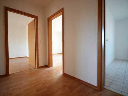2-Raum mit Balkon*Tageslichtbad mit Wa*renoviert*Stellplatz mögl.