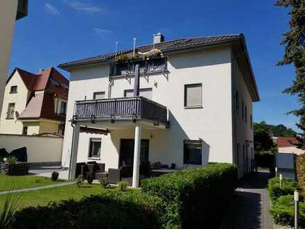 Schicke, geräumige vier Zimmer Wohnung in Dohna ( 14 Min. Fahrzeit Dresden City)