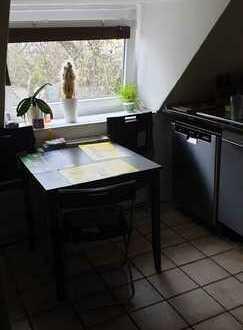 Freundliche 4-Zimmer-Dachgeschosswohnung mit Einbauküche in Dortmund