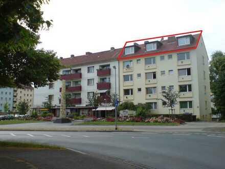 Erstbezug nach Sanierung: attraktive 3,5-Zimmer-DG-Wohnung mit EBK und Balkon in Hannover
