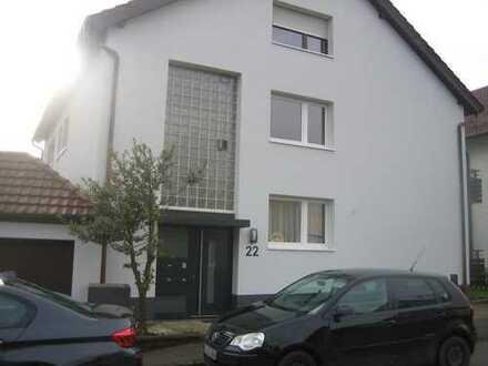 Gepflegte 5-Zimmer-Wohnung mit Balkon und Einbauküche in Filderstadt