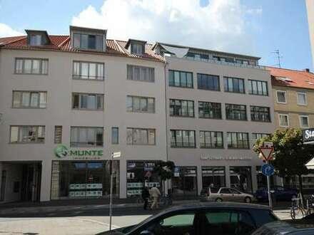 Stilvoll Wohnen in der Innenstadt - Balkon und mod. EBK