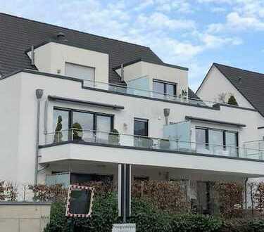 schicke,moderne 2-Zi. Dachwohnung m. Aufzug + TG-Stp.