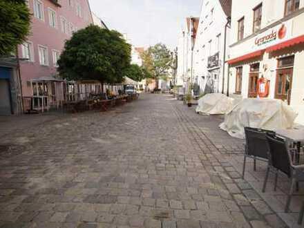 Erstbezug nach Sanierung: 4 Zimmer Altstadtwohnung