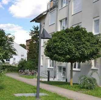 Schöne 3-Zimmer Wohnung mit Balkon, Gäste WC und Duplex-Parker in Edingen-Neckarhausen