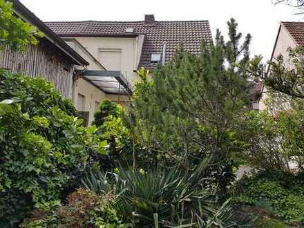 Von Privat für Häuslebauer: Altes Haus mit großem Garten in Hockenheim