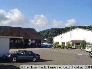 Großes Grundstück - ideal für Logistikunternehmen - bebaut mit 2 Hallen