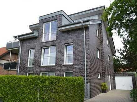 Exklusive seniorengerechte Wohnung im 1. OG eines Dreifamilienhauses mit Aufzug für max. 2 Personen