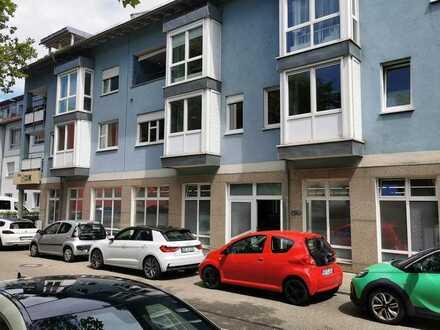 Büro / Praxis / Ladenlokal mit 8 TG-Stellplätzen in zentraler Lage in Karlsruhe
