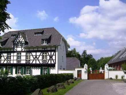 Traumhafte Studio-Loft im privaten Rittergut in Lev-Steinbüschel