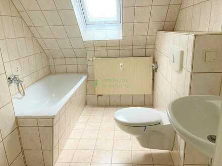 Kleine 3 Raum Wohnung DG in 02694 Crosta zu vermieten.