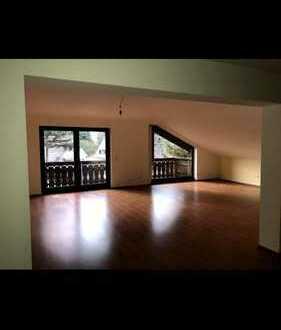 Gepflegte 4-Zimmer-DG-Wohnung mit Balkon in Michelstadt