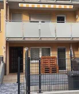 Gepflegt 2-Zimmer-Erdgeschosswohnung mit Grösse Terrasse in Illingen