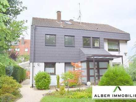 Tolles, freistehendes Einfamilienhaus mit Einliegerwohnung in Böblingen
