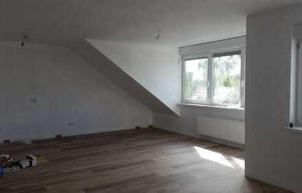 Erstbezug: helle 3-Zimmer-DG-Wohnung mit Balkon in Porz-Eil, Köln