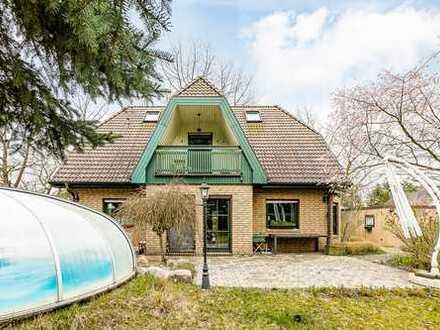 Modernes Niedrigenergie-Haus mit Garten, Pool & Doppelgarage!