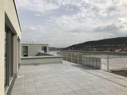 5-Zi.-Penthouse m. EBK, 2 Terrassen, 1 Balkon, herrl. Ausblick