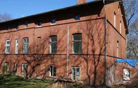 Ehemaliges Gutshaus am Hafen von Kloster