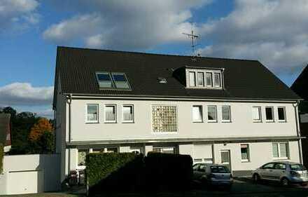 Schöne, vollständig renovierte 3,5-Zimmer-DG-Wohnung in Bochum